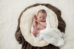 photo nouveau-né Clara 7 jours - photographe nouveau-né montauban