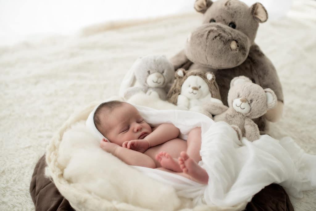 photo nouveau-né - photographe specialisée proche de Toulouse